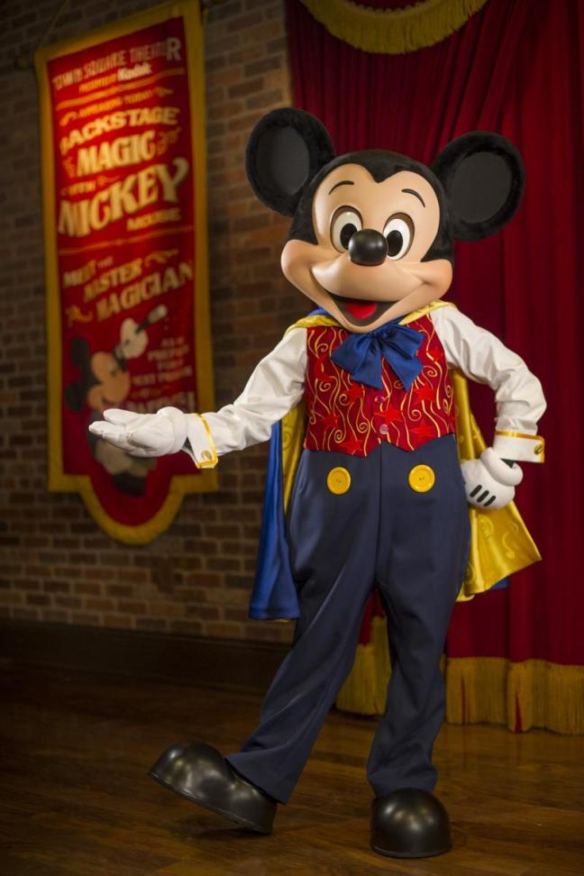 mickey%20mouse%20%20rehearsal%20room%20at%20town%20square%20theater%20ali%20nasser%20photographer%20photocdisney_1